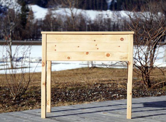 Oetztaler-Holzart-Balkonhochbeet-Kräuterbeet